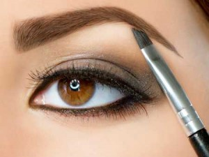 شیوه آرایش چشم و ابرو در دو دقیقه