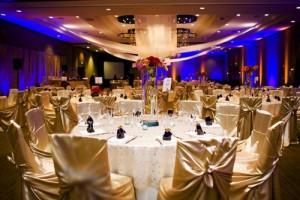 جدیدترین مدل چیدن و تزیین میز و صندلی تالار عروسی 2016