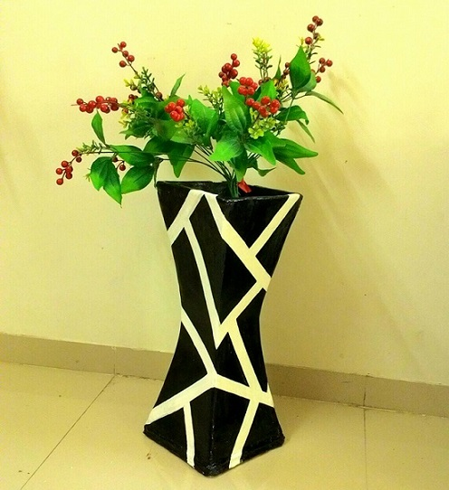 How-To-Make-Vase-From-Cardboard-6