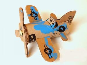 آموزش تصویری درست کردن هواپیما با لوله دستمال کاغذی