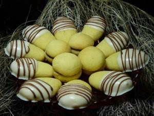 روش درست کردن شیرینی انگشتی بادامی