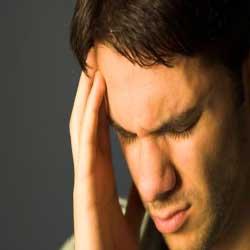 شایع ترین مشکل روزه گرفتن سردرد است