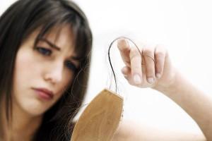 ریزش مو و ارتباط آن با اسپری مو