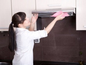 Cleaning-the-Built-in-cooker-hoods
