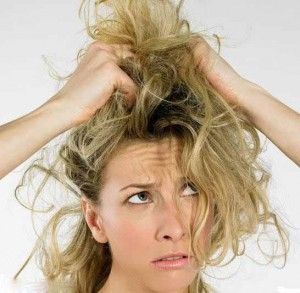 این 8 اشتباه موی سر را آسیب پذیر می کند