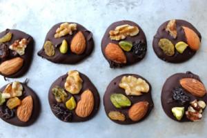 شیوه درست کردن اسنک شکلات تلخ
