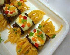 روش درست کردن رول بادمجان و اسپاگتی