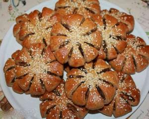 آموزش تصویری درست کردن نان خرمایی ویژه افطار