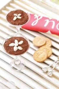 روش درست کردن موس بادام و شکلات دسر ویژه بهار
