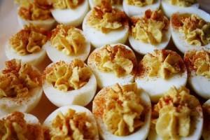 روش درست کردن تخم مرغ شکم پر