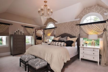 chandelier-bedrooms1-e1