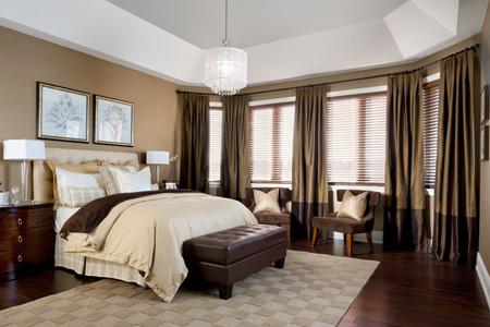 chandelier-bedrooms12-e1