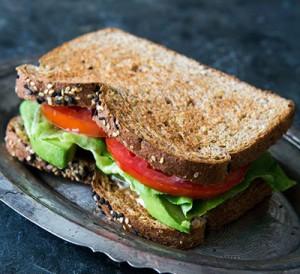 روش درست کردن ساندویچ آووکادو